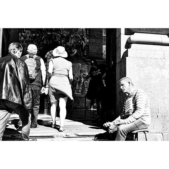 #blackandwhite #bnw #streetphoto#instablackandwhite #insta_bw#bnw_society #bw_lover#bw_photooftheday #instagood#bw_society #insta_pick_bw #irox_bw #noir #streetphotography#streetlife_award #streetphotographers#gspc #helloicp